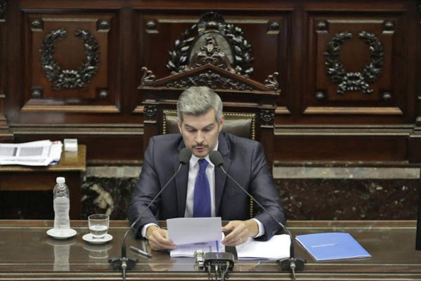 """Marcos Peña al kirchnerismo: """"No nos vamos en diciembre"""""""