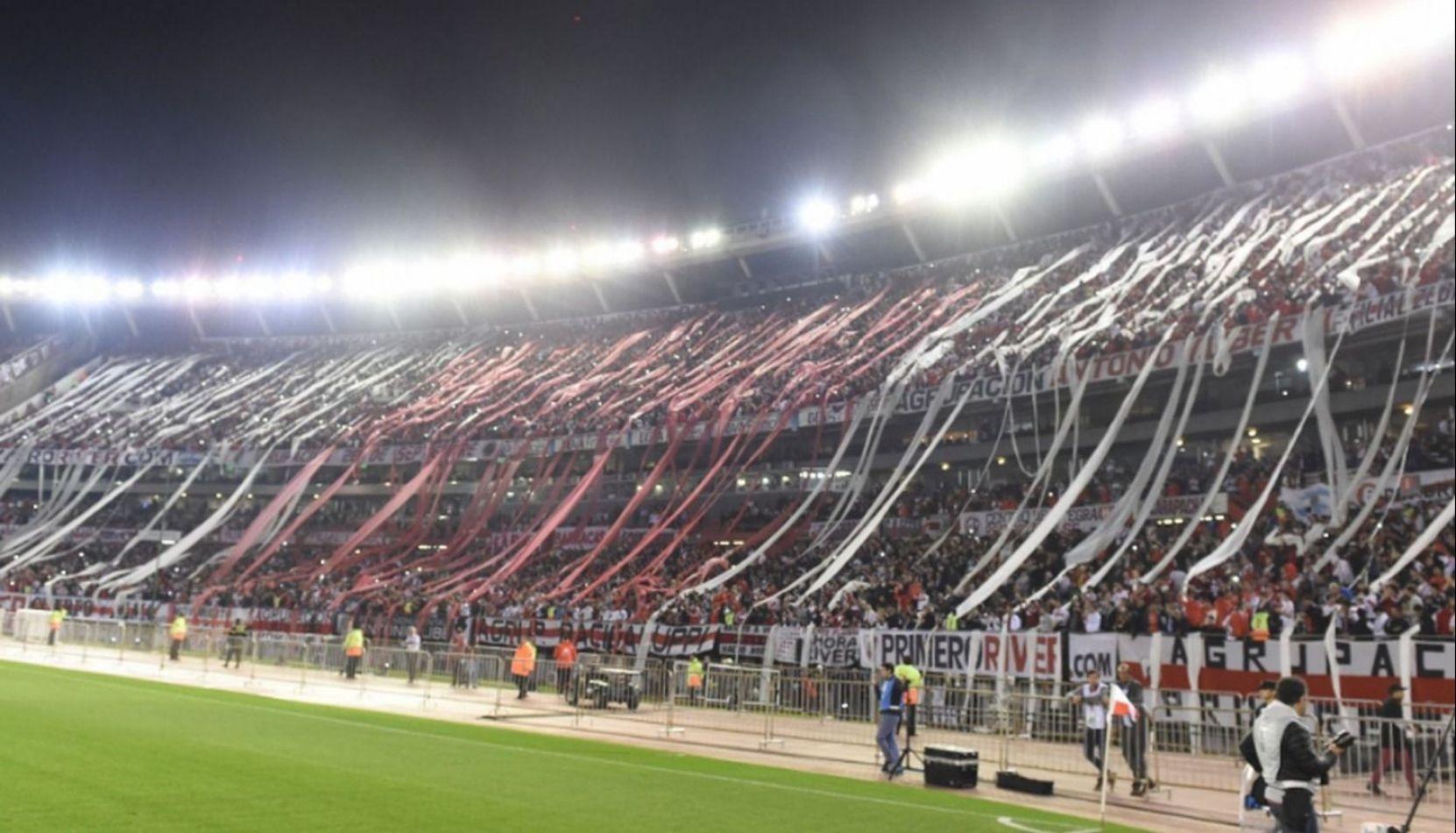 """El River de un """"Monumental"""" Gallardo goleó a Paranaense y se coronó campeón de la Recopa Sudamericana"""